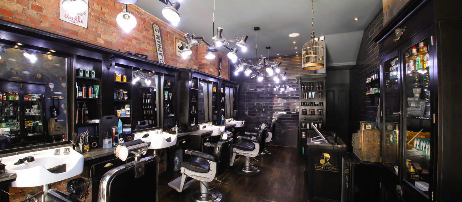 https://www.portersbarbers.co.uk/wp-content/uploads/Clapham-Porters-Barbers-Interior-4-2.jpg