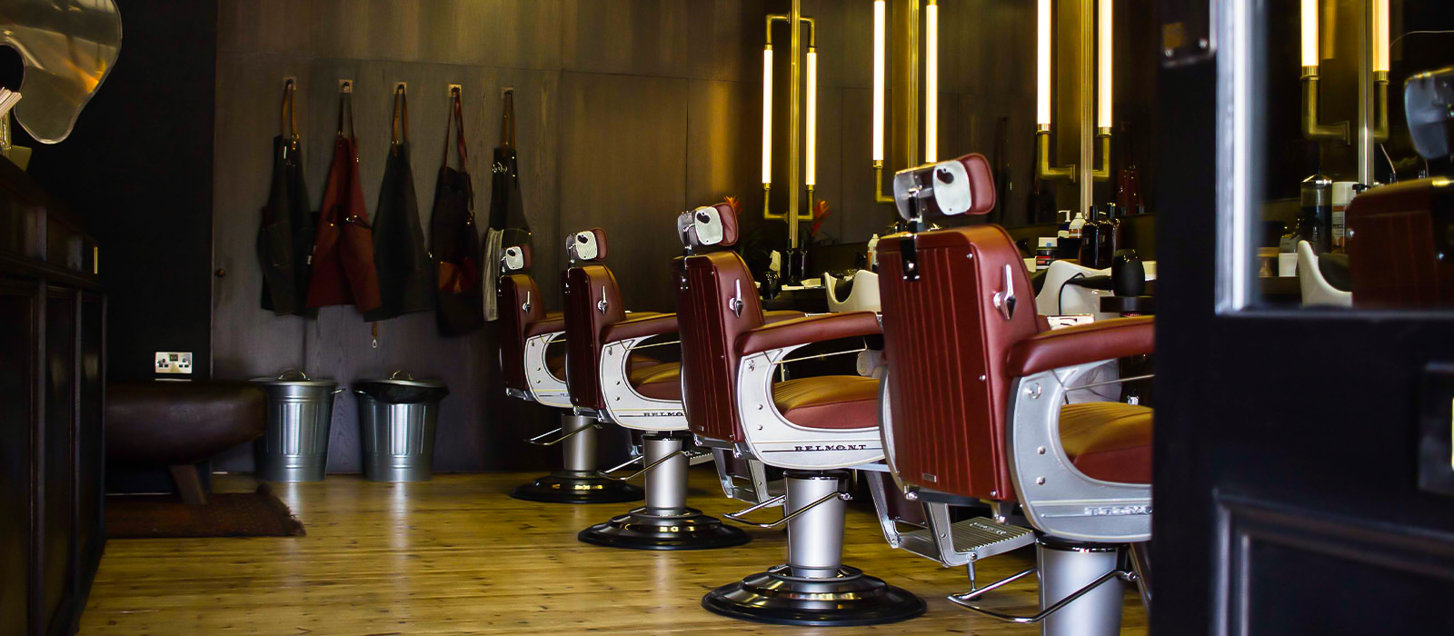 https://www.portersbarbers.co.uk/wp-content/uploads/East-Dulwich-Porters-Barbers-Interior-1-2.jpg